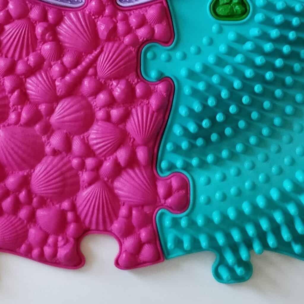Muffik sensory playmats grid Medium set close up photo second